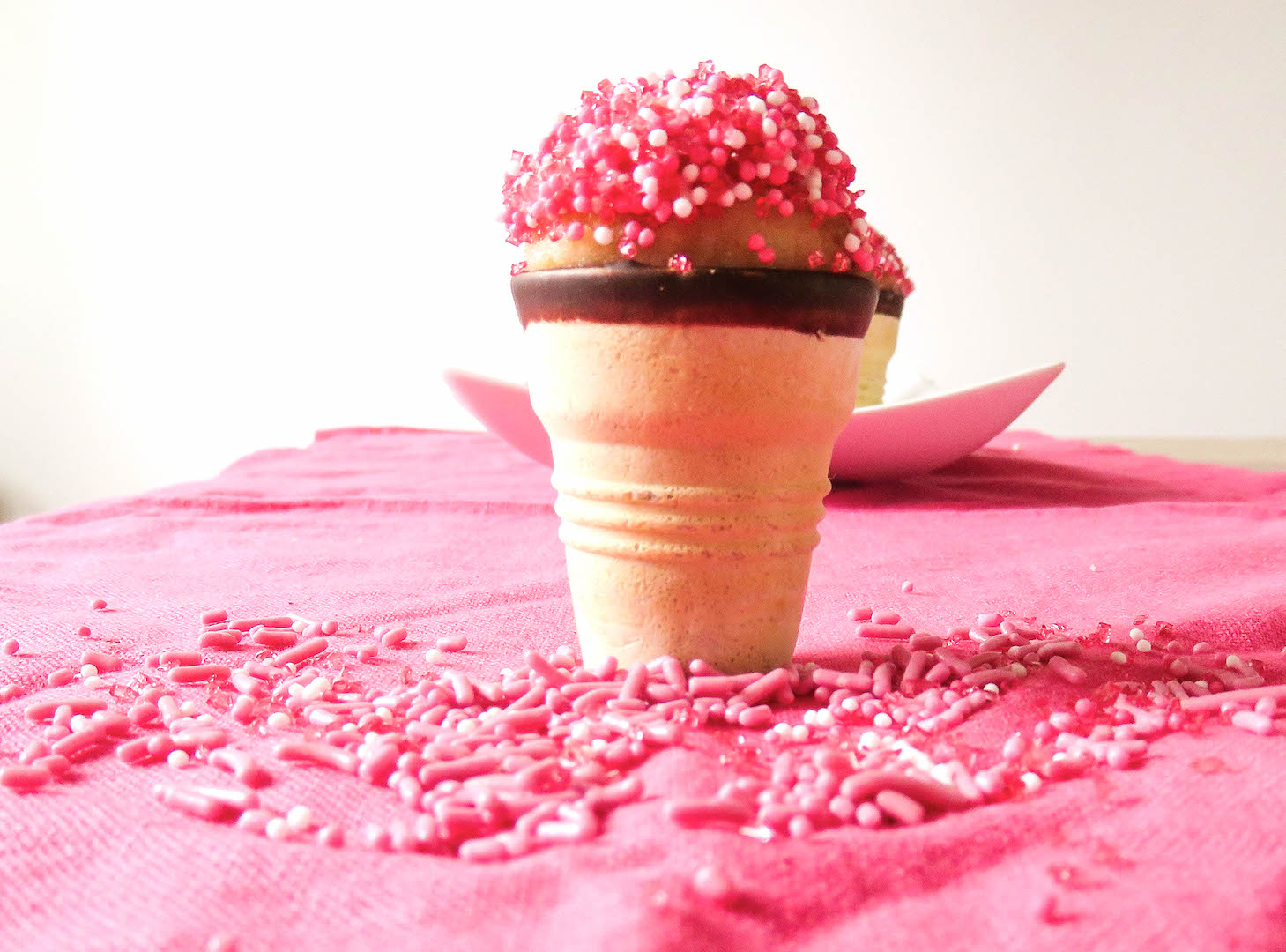 cake pops mal anders in der eiswaffel und ohne backen bonbont te. Black Bedroom Furniture Sets. Home Design Ideas