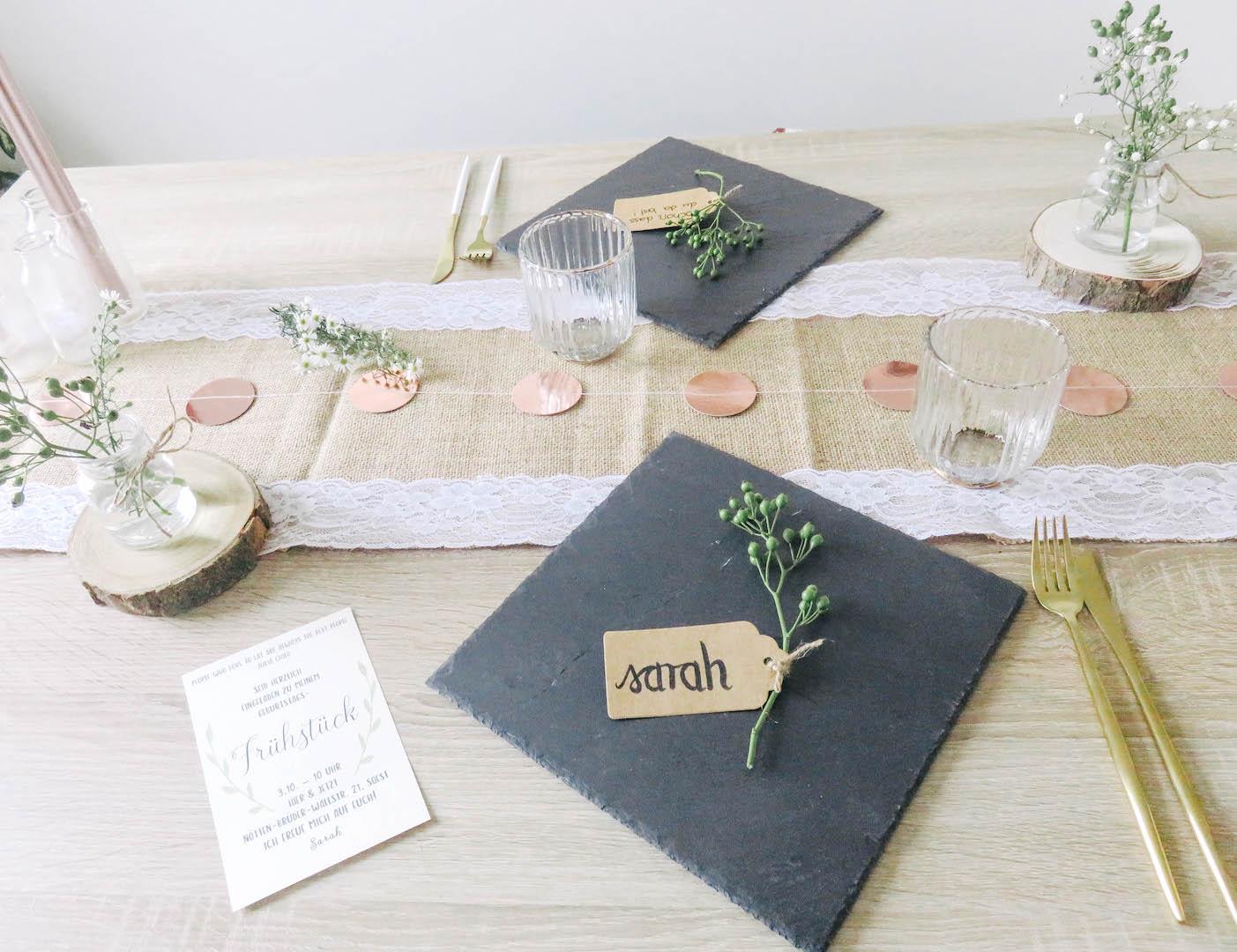 Romantische Tischdekoration Im Landlichen Stil Bonbontute