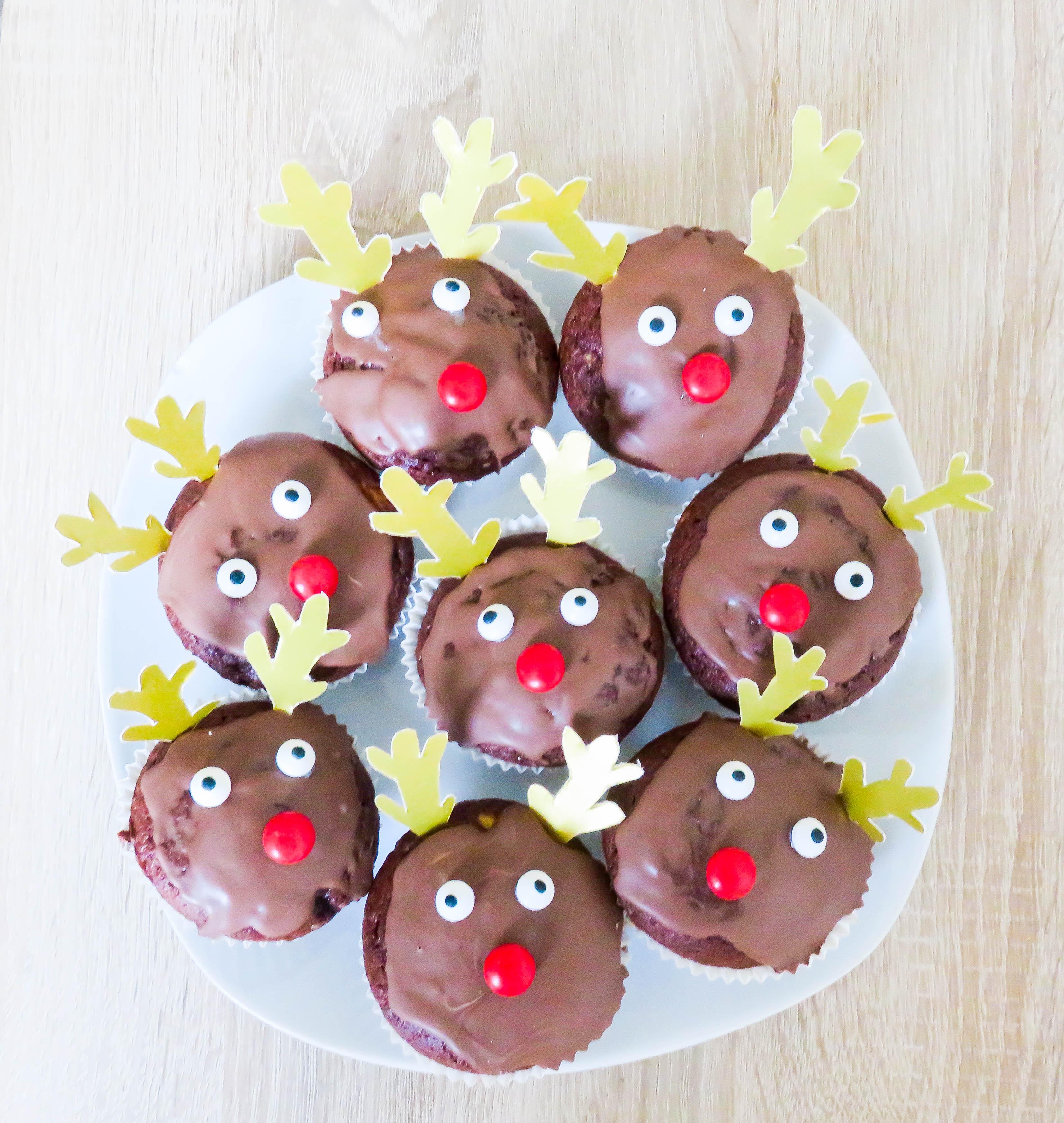 weihnachtliche muffins im rentierkost m bonbont te. Black Bedroom Furniture Sets. Home Design Ideas
