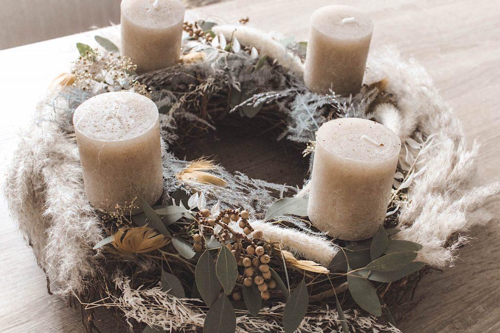 Adventskranz-Trockenblumen